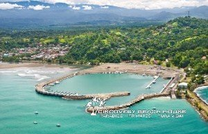 Nearby Marina Pez Vela provides easy access to fishing, dolphin tours and other activities on your Costa Rica beach vacation.